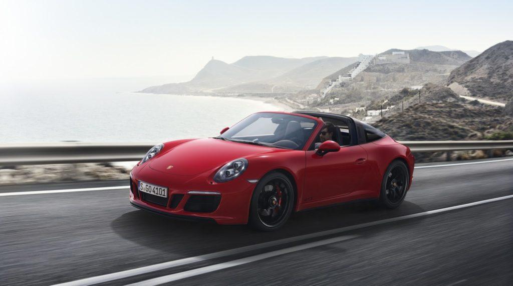 New-Porsche-911-GTS-11-1024x570