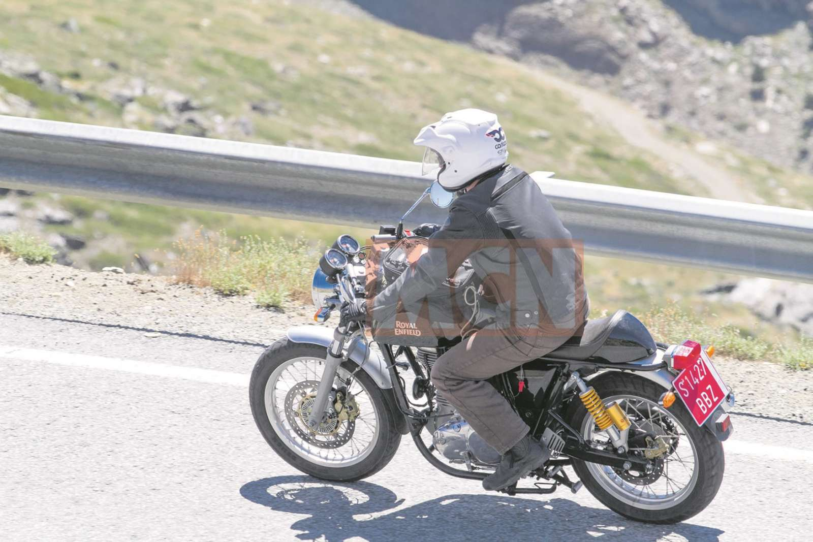 Royal-Enfield-Continental-GT-ABS-spied-2