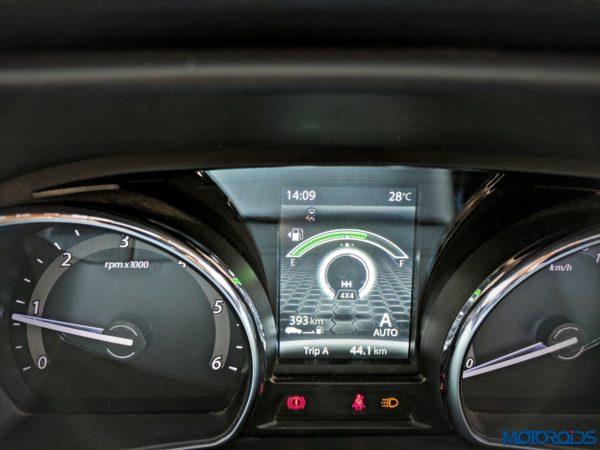 Tata-Hexa-Auto-mode-instrument-1-600x450