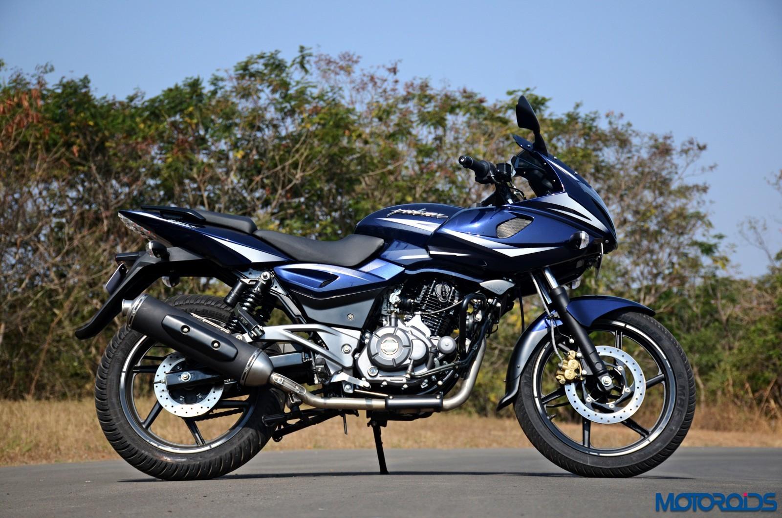 Bajaj Pulsar 220F Expert Review | Pros | Cons | Car N Bike ...