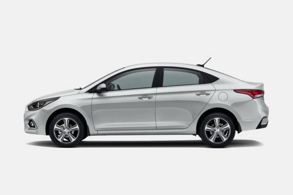 2017 Hyundai Solaris 2017 Hyundai Verna Russia (13)