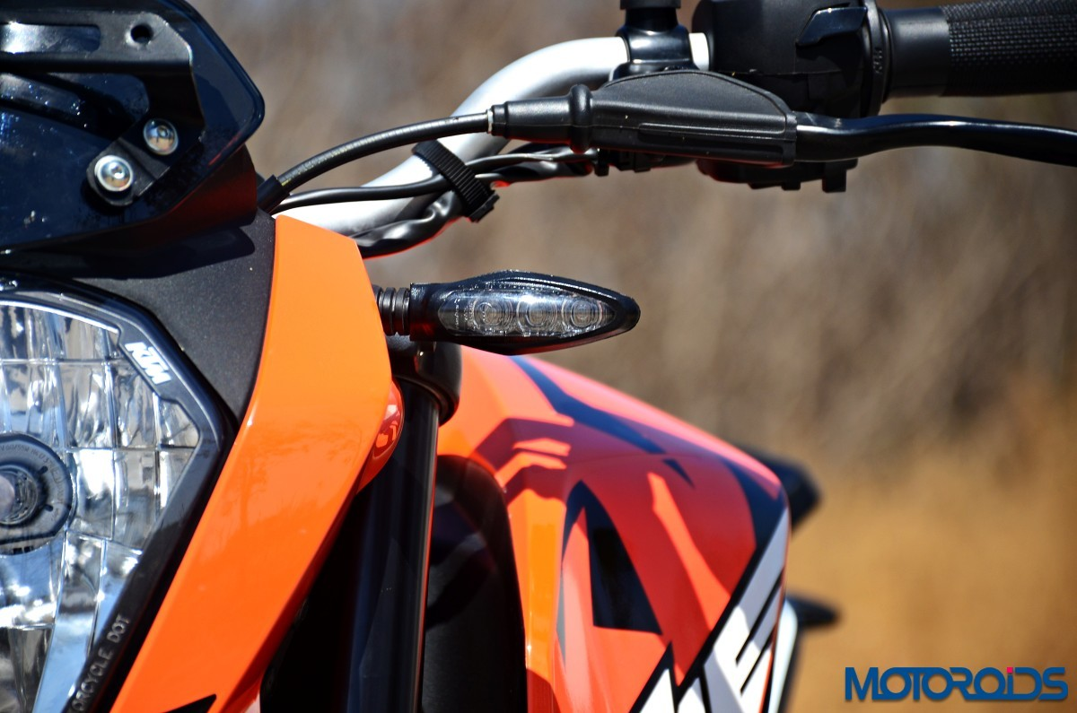 2017-KTM-200-Duke-First-Ride-Review-46