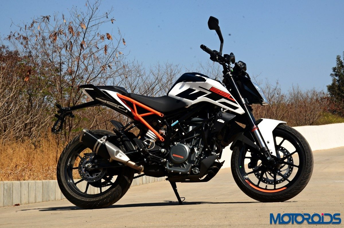 2017 KTM 250 Duke Review (54)