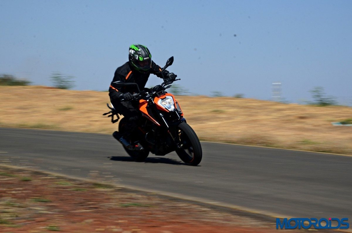 2017 KTM 250 Duke Review – Riding Shots (1)