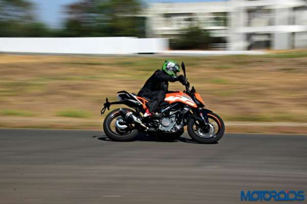 2017-KTM-250-Duke-Review-Riding-Shots-3-600x398