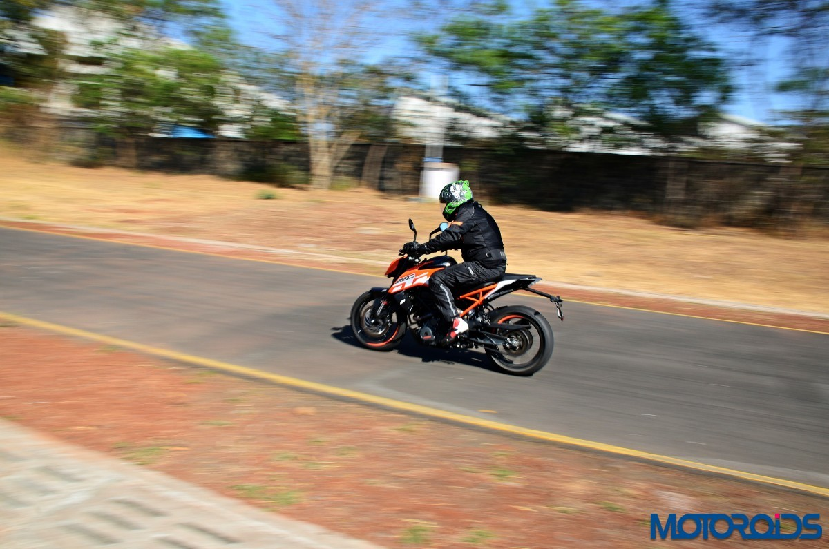 2017-KTM-250-Duke-Review-Riding-Shots-4