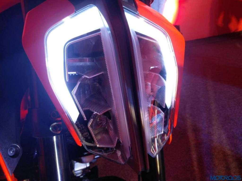 2017-KTM-390-Duke-LED-Headlamp-2-1024x768
