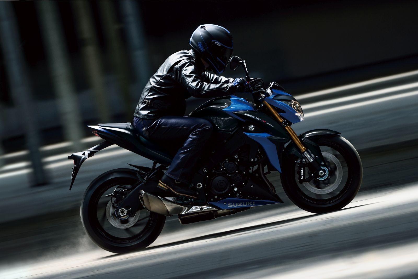 2017-Suzuki-GSX-S1000-3