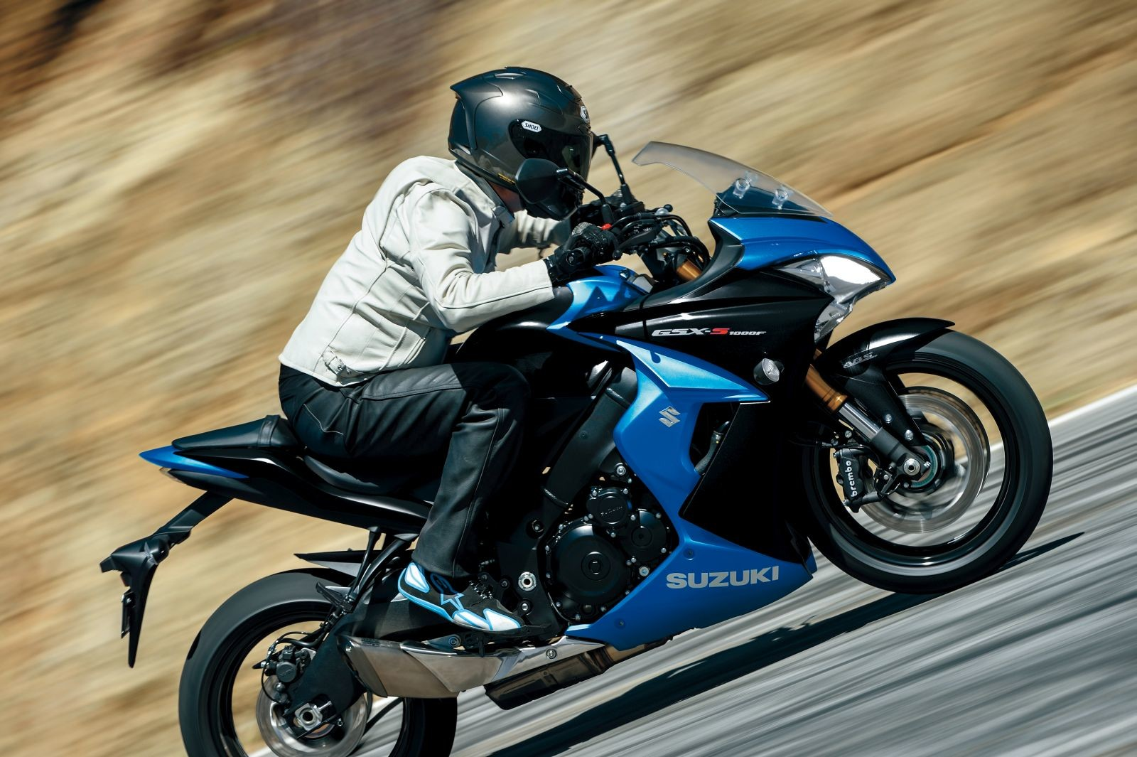2017-Suzuki-GSX-S1000F-4