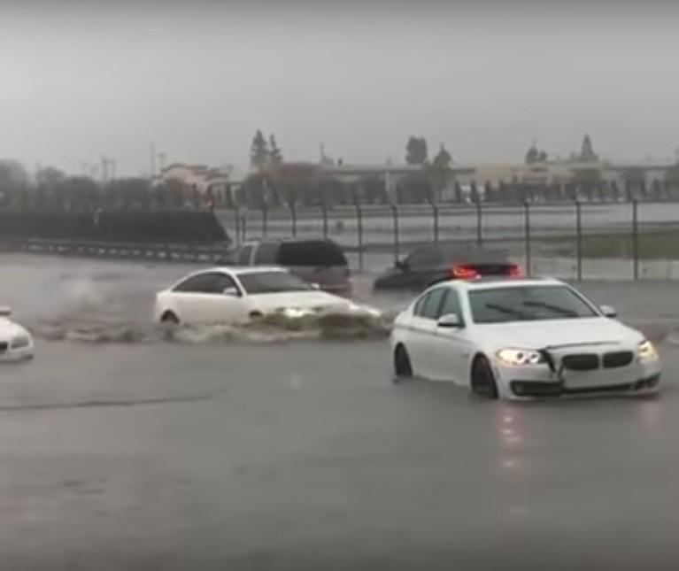 Audi-A6-flood