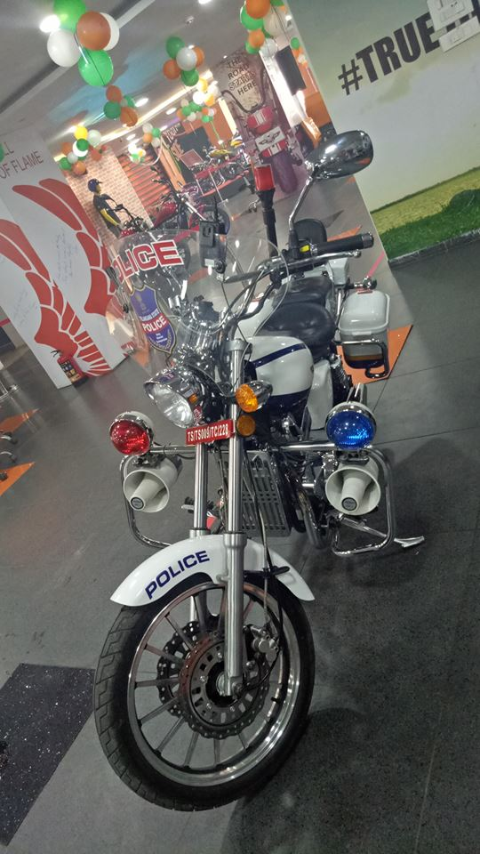 Fab-Regal-Raptor-Motorcycles-Hyderabad-Police-4