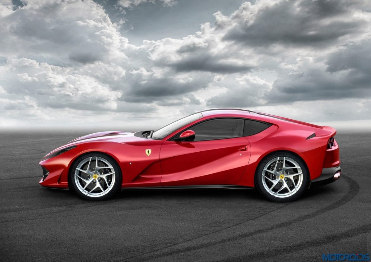 Ferrari 812 Superfast (2)