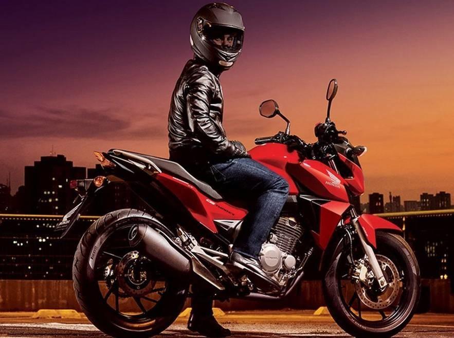Honda-CB-Twister-250-Brazil-2