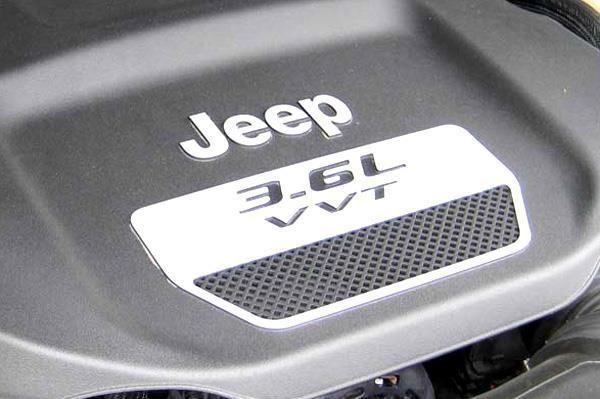 Jeep-Wrangler-Petrol-6