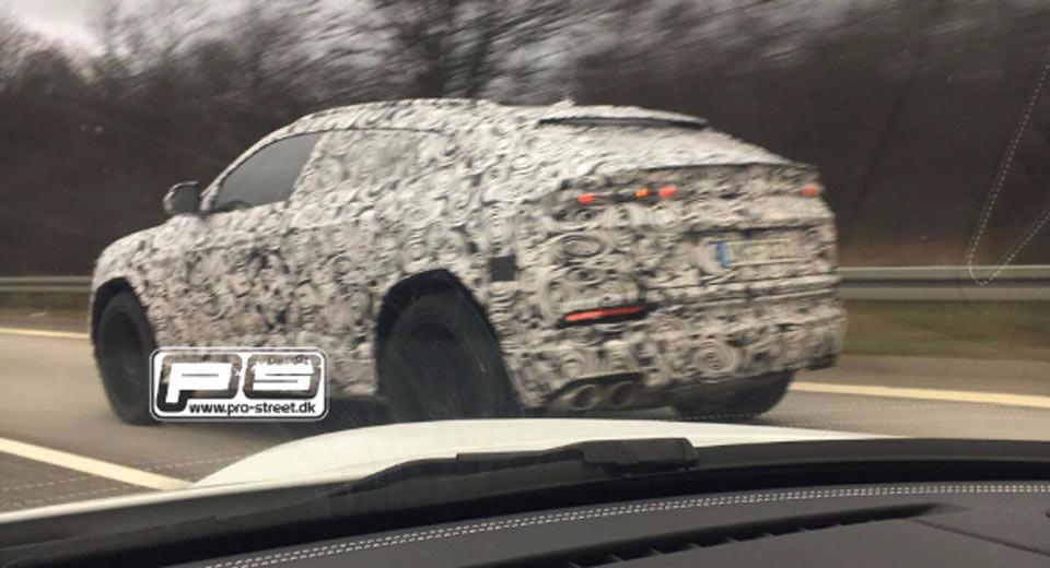 Lamborghini-Urus-spied-testing-1