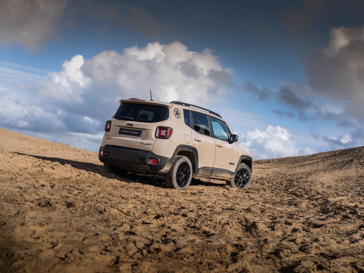 Limited-Edition-Jeep-Renegade-Desert-Hawk-3