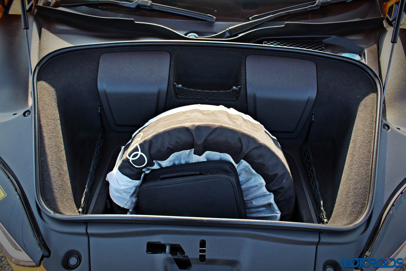 New-Audi-R8-V10-Plus-boot-space