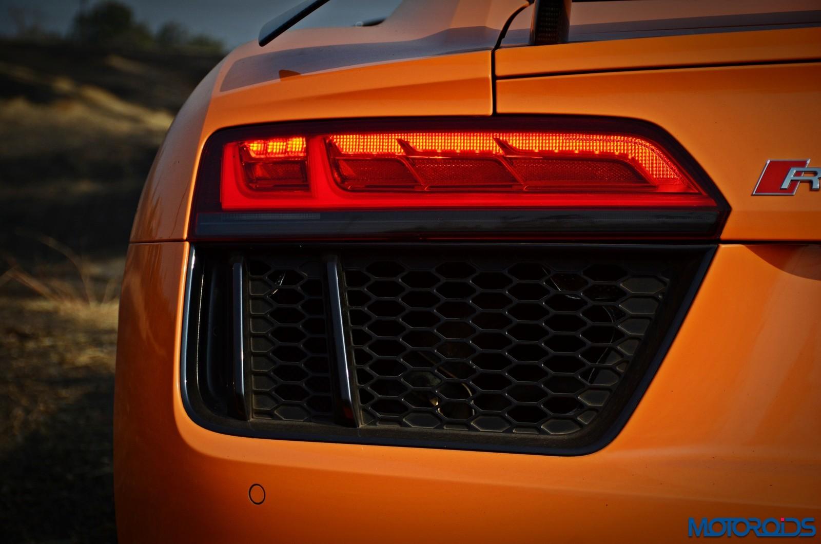New-Audi-R8-V10-Plus-tail-lamp-2