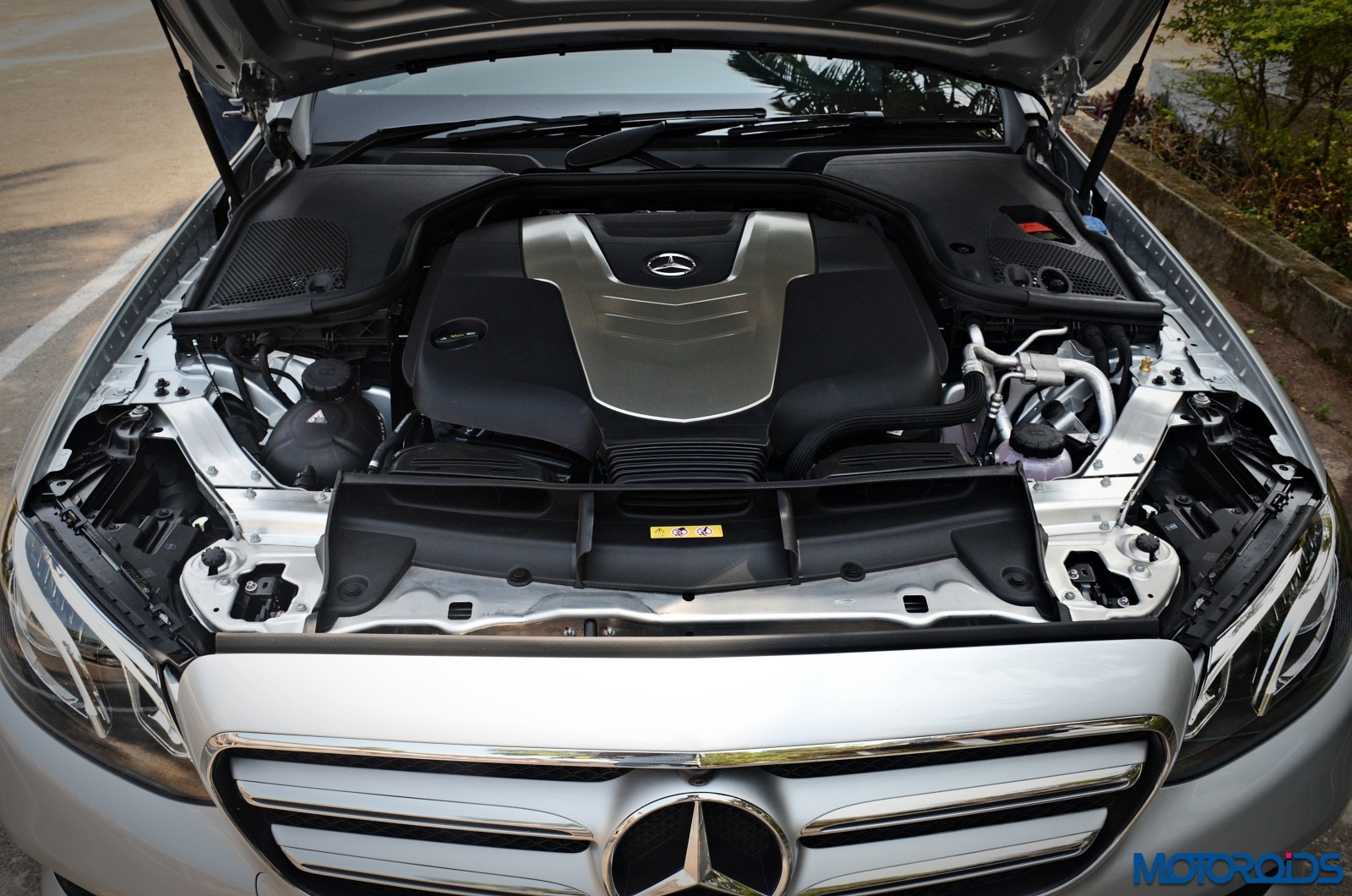New-Mercedes-Benz-E-350-CDI-LWB-Review-49