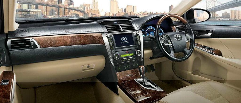 New-Toyota-Camry-Hybrid-1-1024x440
