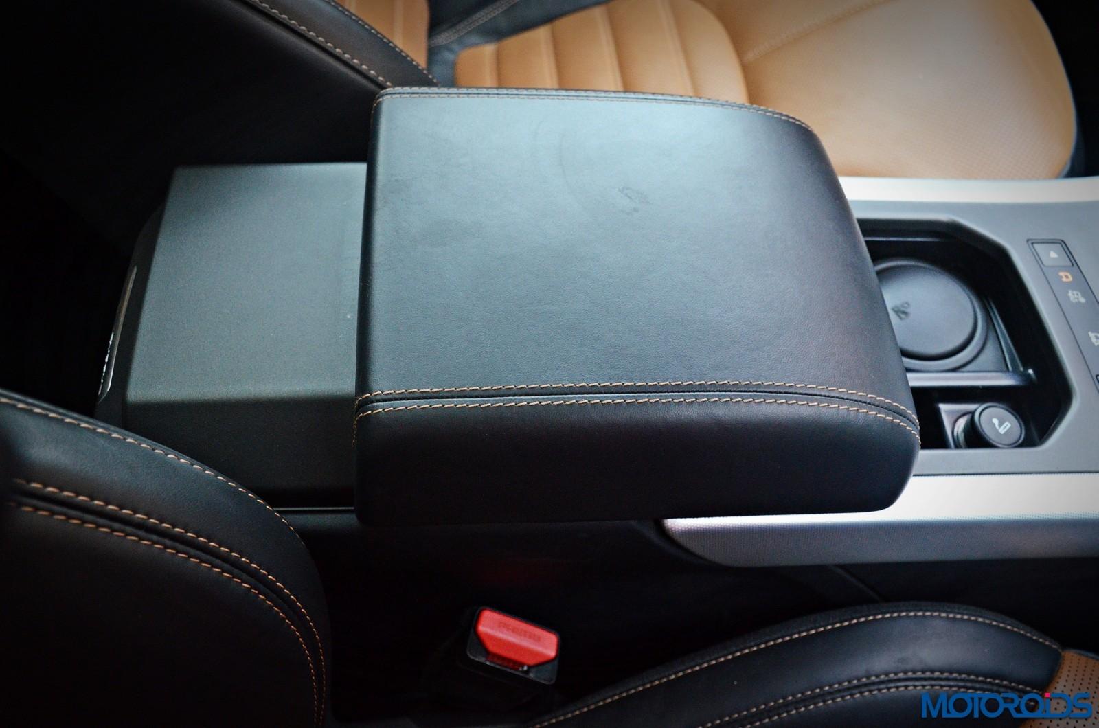 Range-Rover-Evoque-front-armrest-1