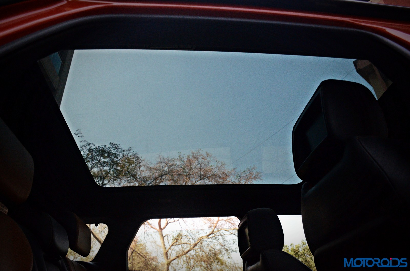 Range-Rover-Evoque-panoramic-sunroof