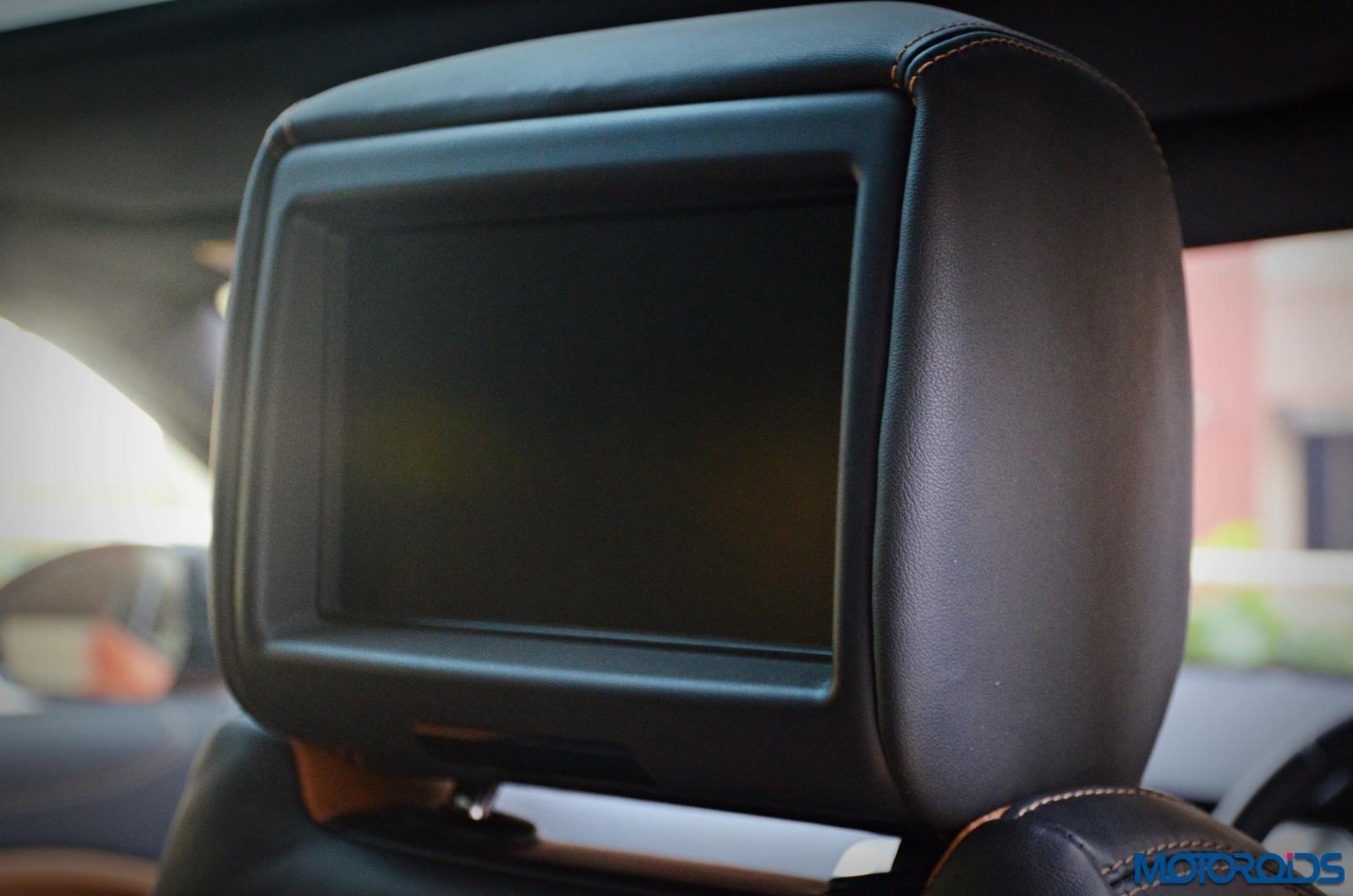 Range-Rover-Evoque-rear-entertainment