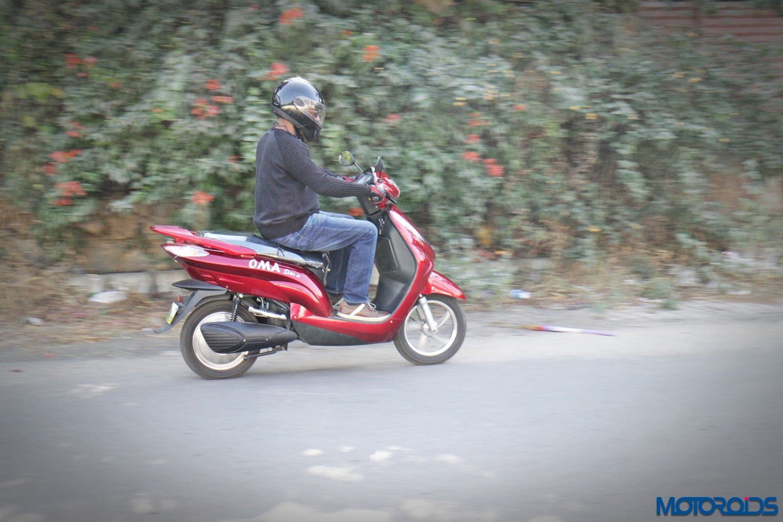 Review-Oma-Star-Li-Electric-Scooter-2
