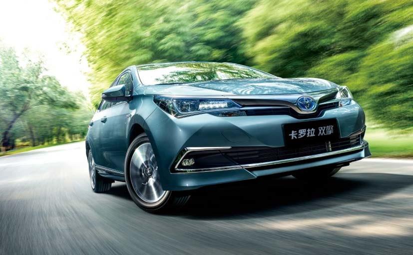 Toyota-Corolla-Altis-Hybrid-4