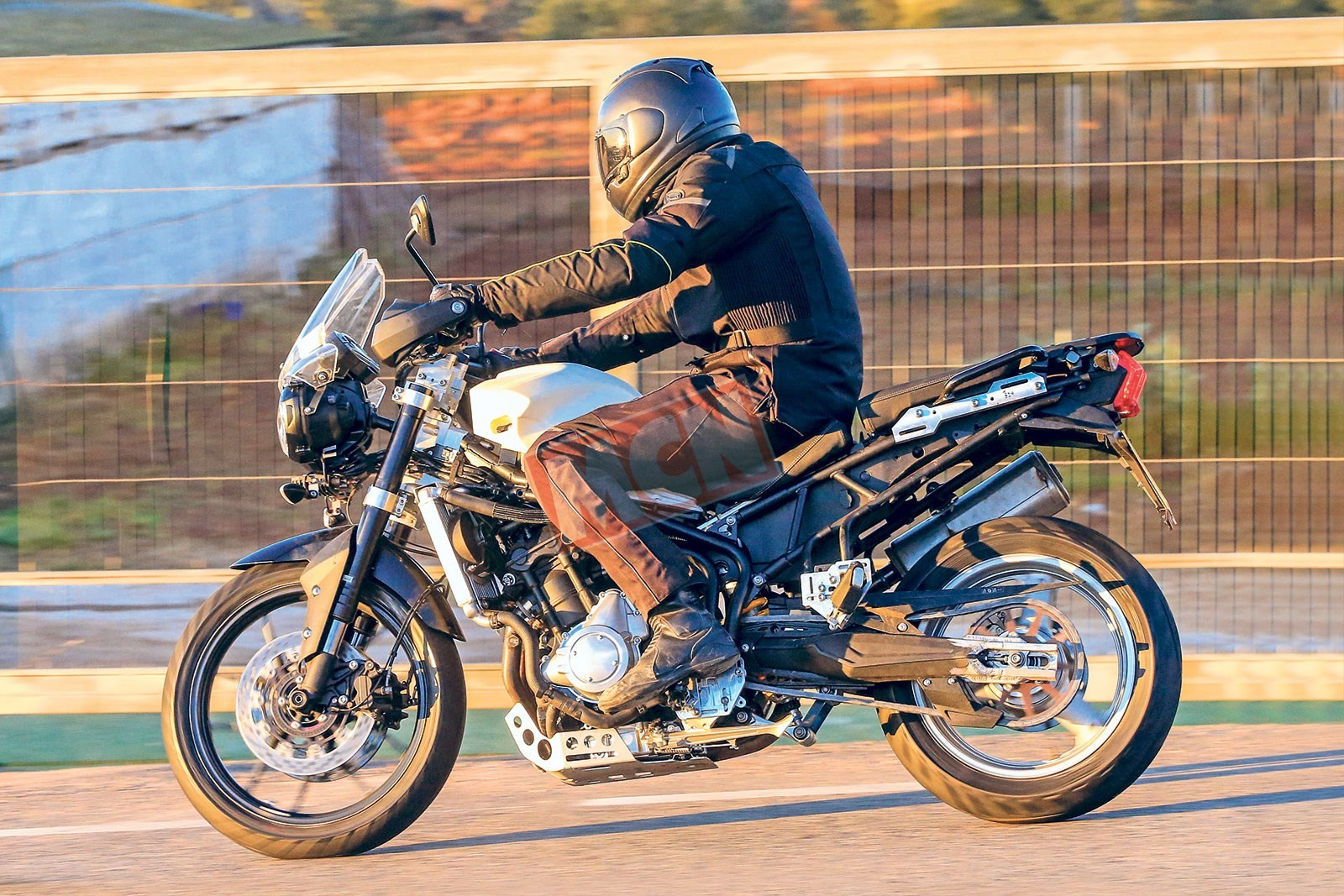 Triumph-Motorcycles-Next-Gen-Middleweight-Tiger-1