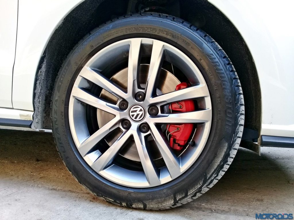Volkswagen-GTI-12-1024x768