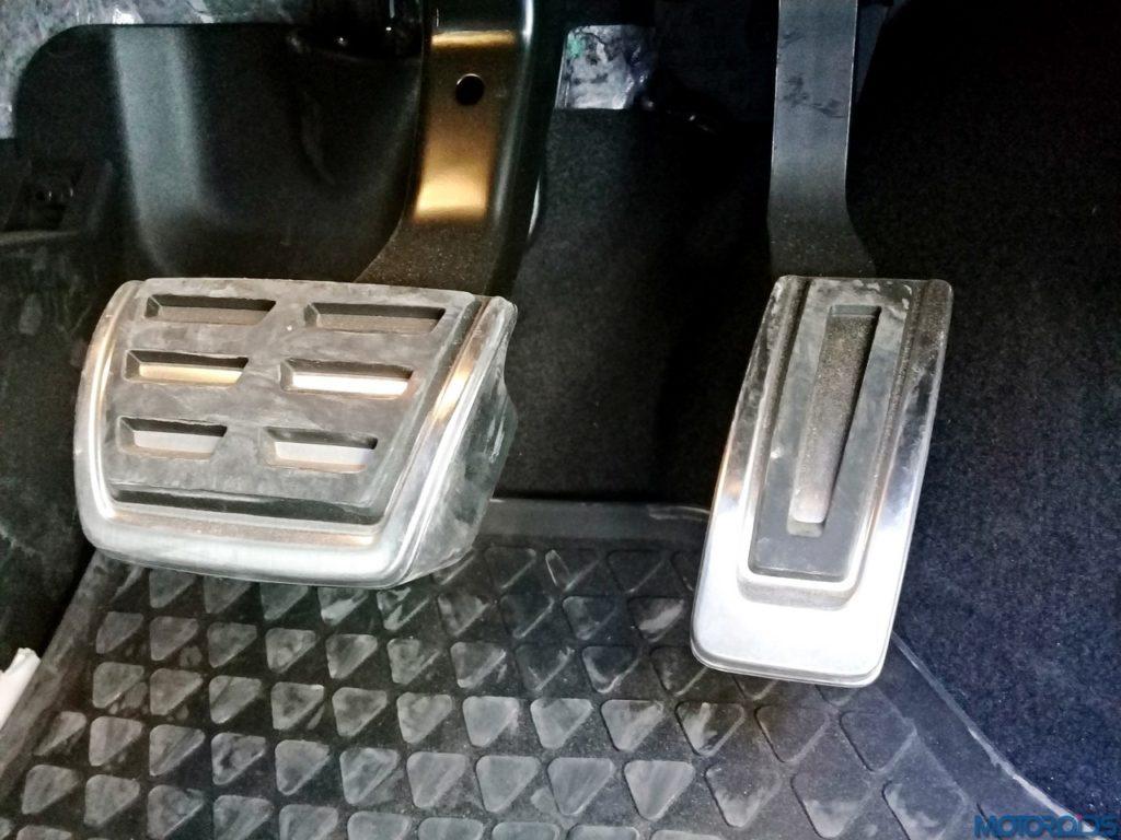 Volkswagen-GTI-pedals-1024x768