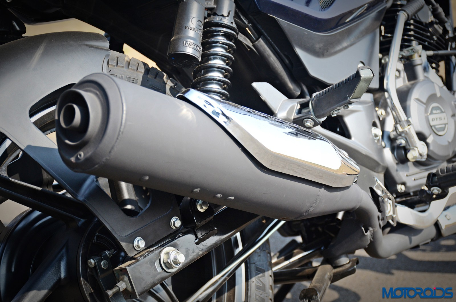 new-2017-Bajaj-Pulsar-150-DTS-i-exhaust