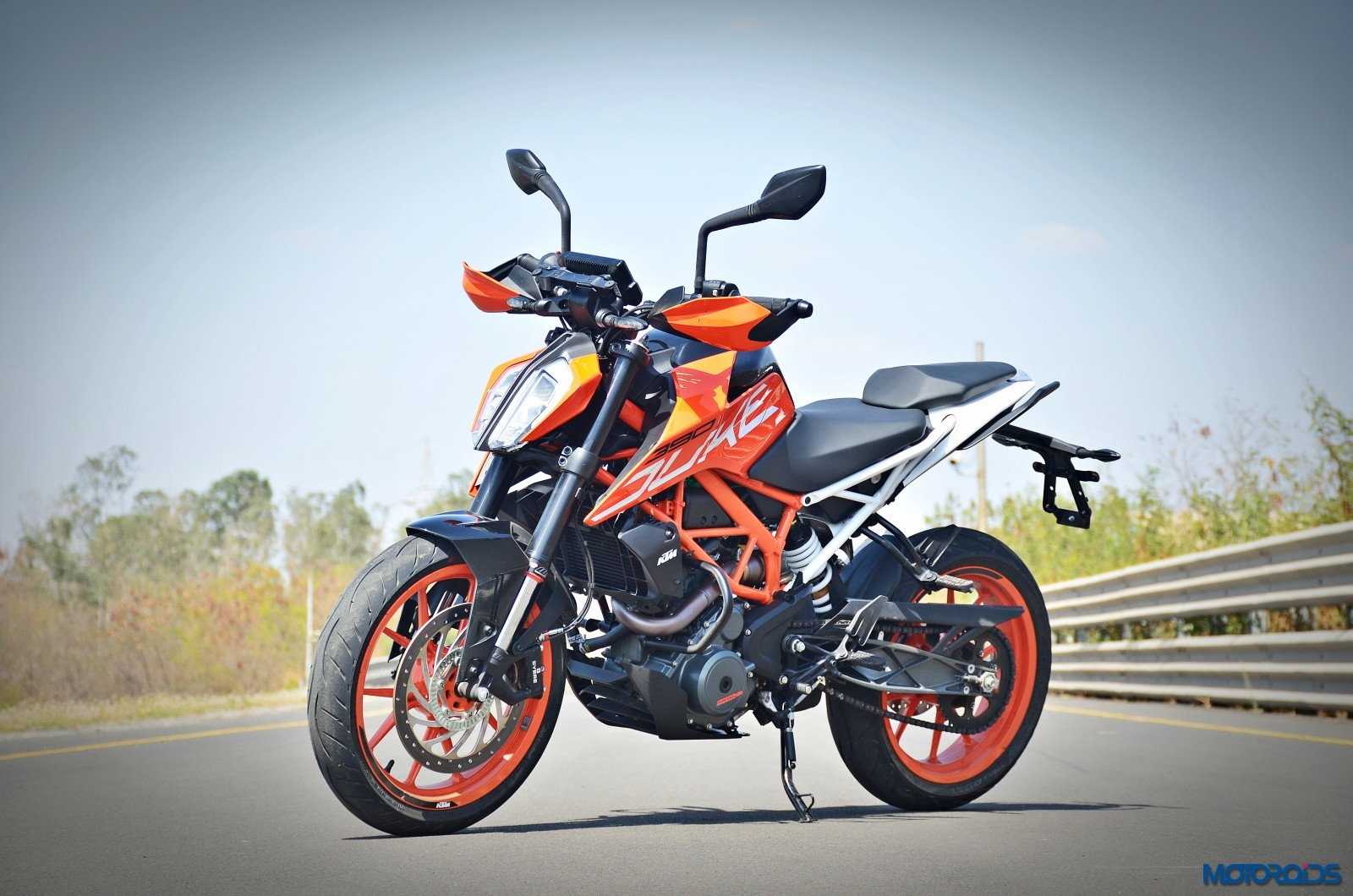 2017 ktm 390 duke recalled over led headlight issue motoroids. Black Bedroom Furniture Sets. Home Design Ideas