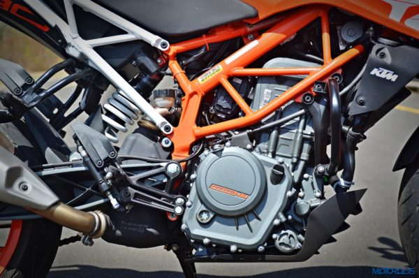 2017-KTM-390-Duke-engine-and-chassis-600x398