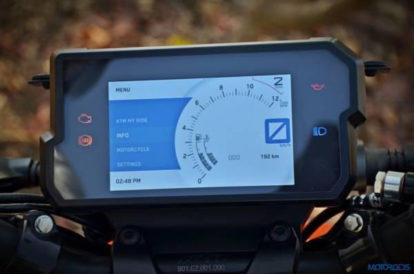 2017-KTM-Duke-390-instrumentation-2-600x398