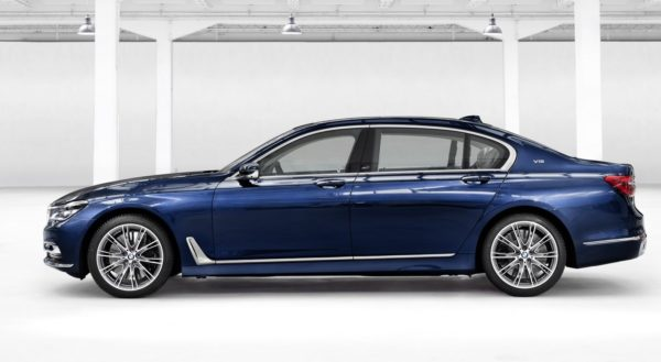 BMW-Individual-M760Li-xDrive-model-V12-Excellence-THE-NEXT-100-YEARS-5-600x329