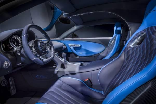 Bugatti-Chiron-Blue-Carbon-Fibre-3-600x401