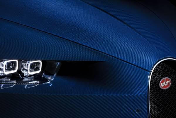 Bugatti-Chiron-Blue-Carbon-Fibre-4-600x401