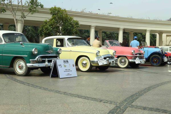 DLF-Vintage-Car-Rally-2-600x400