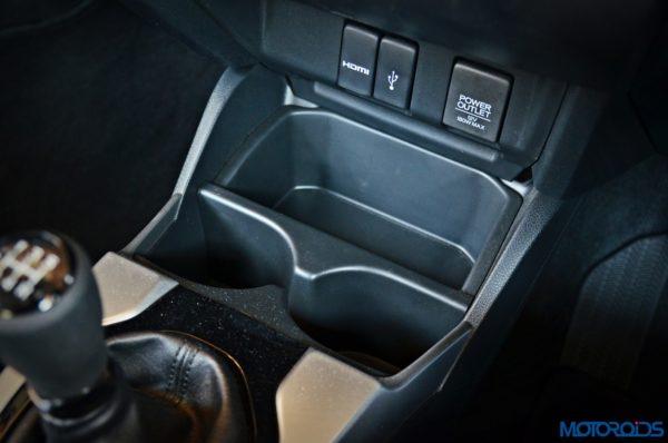 Honda-WR-V-storage-1-600x398
