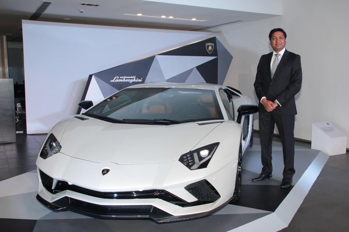 Lamborghini Aventador S Launched In India At Inr 5 01 Crore