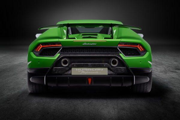 Lamborghini-Huracan-Performante-5-600x402