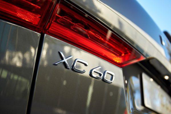 New-Volvo-XC60-Premium-SUV-2017-Geneva-Motor-Show-66-600x400