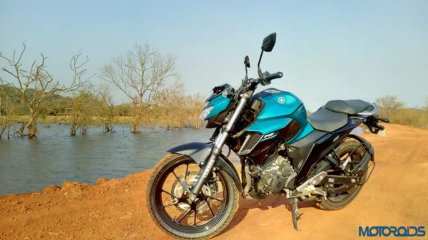 New-Yamaha-FZ25-Review-37-600x337