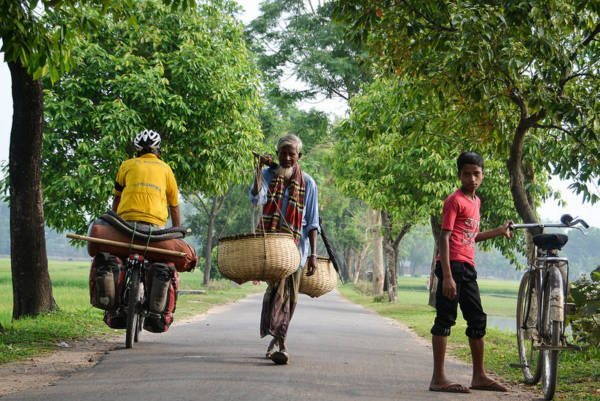 cyclist-in-India-600x401
