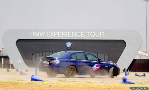 02-The-BMW-5-Series-in-action-at-the-BMW-Experience-Tour-in-Lucknow-600x365