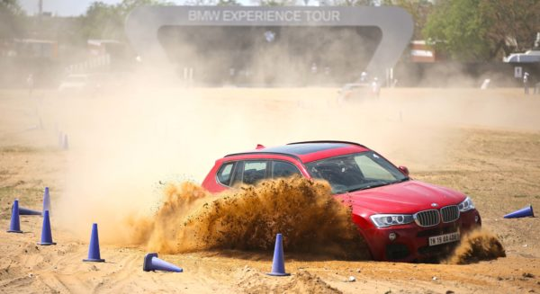 03-The-BMW-X3-in-action-at-the-BMW-Experience-Tour-in-Jaipur-600x327