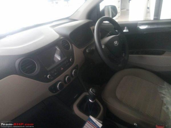 2017-Hyundai-Xcent-Interior-600x450