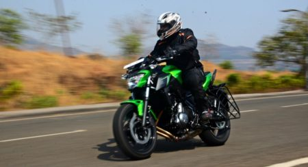 2017 Kawasaki Z650 - First Ride Review (4)